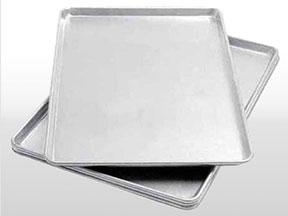 Bandejas de Aluminio – Aplicaciones Industriales de Chapas de Aluminio